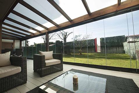 18 cortinas de cristal en porche de madera echarri - Porches de madera y cristal ...