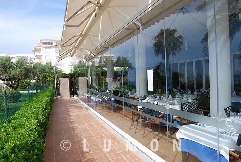 3correderas-cristal-terraza-hosteleria