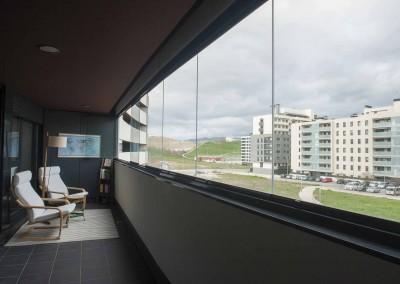 27 – Acristalamieno de terraza en Pamplona